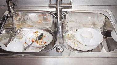 Dirty dishes time-lapse — Vídeo de Stock