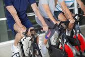 Låga delen av på motionscyklar — Stockfoto