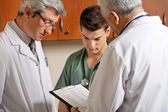 Medical Professionals In a Discussion — Stock Photo