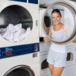 Woman Looking Through Washing Machine Lid — ストック写真