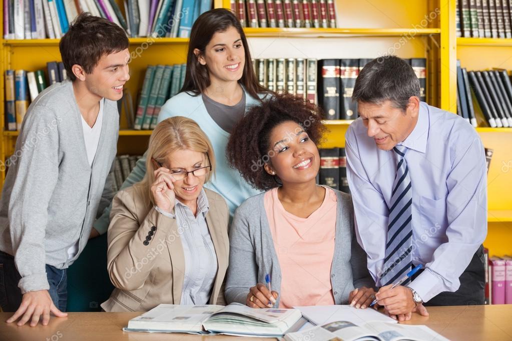 Студентки с учителями 26 фотография