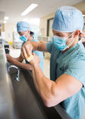 Sterilizing Hands and Arms Before Surgery — Stock Photo