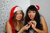 ガール フレンドのクリスマス パーティーで — ストック写真