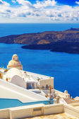 Details of Fira architecture with a view of the caldera in the background — Stock Photo