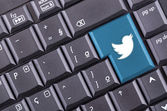 Twitter button on computer keyboard — Stock Photo