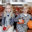 Kids, waiting for holiday, autumn — Stock Photo
