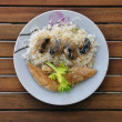 Chicken breast with mushrooms and white sauce — Stok fotoğraf