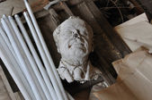 Broken sculpture head of adult man — Стоковое фото