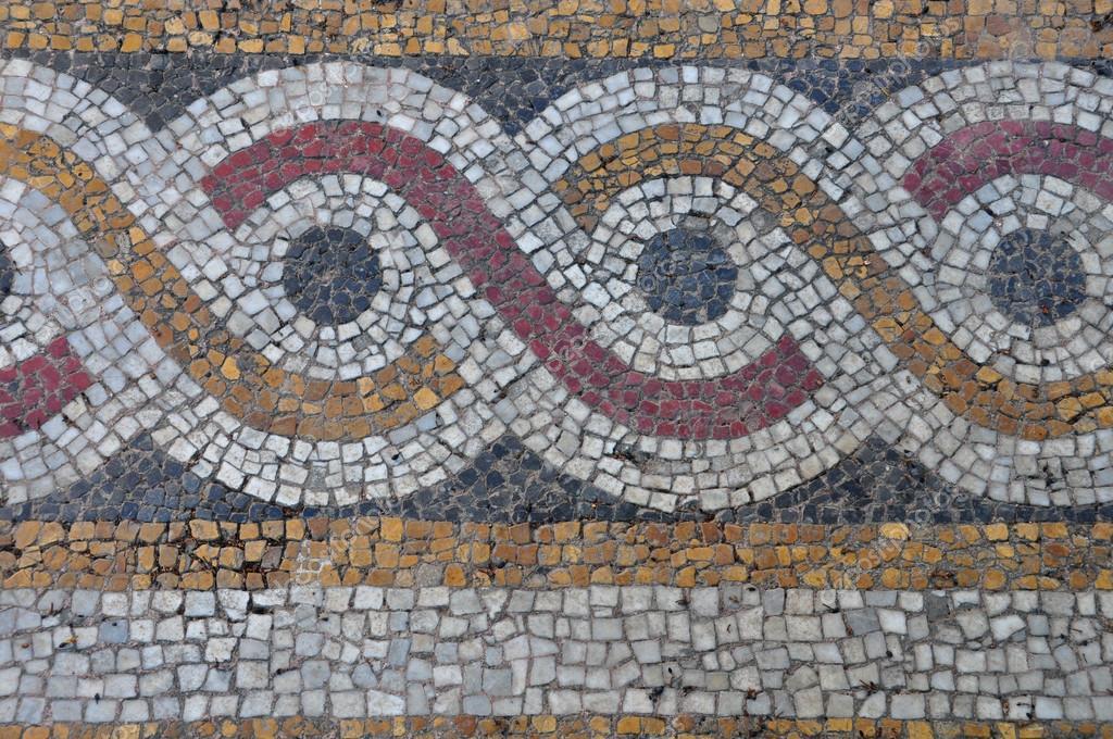 地板马赛克背景与圆圈图案抽象几何设计探讨拜占庭式教堂外观— photo