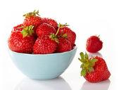 Kom van aardbeien — Stockfoto