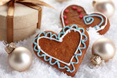 Christmas decorations and gingerbread cookies — Stock Photo