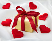 Gift box and hearts — Foto Stock