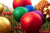 Noel topları çam kozalakları — Stok fotoğraf