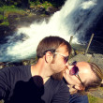 Newlyweds honeymoon vacation — Stock Photo #49059679