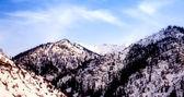 Berg täckta med snö — Stockfoto
