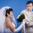 The groom and the bride in a conflict situation — Stock Photo #33812669