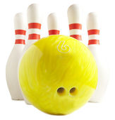Bowling ball and bowling pin — Stock Photo