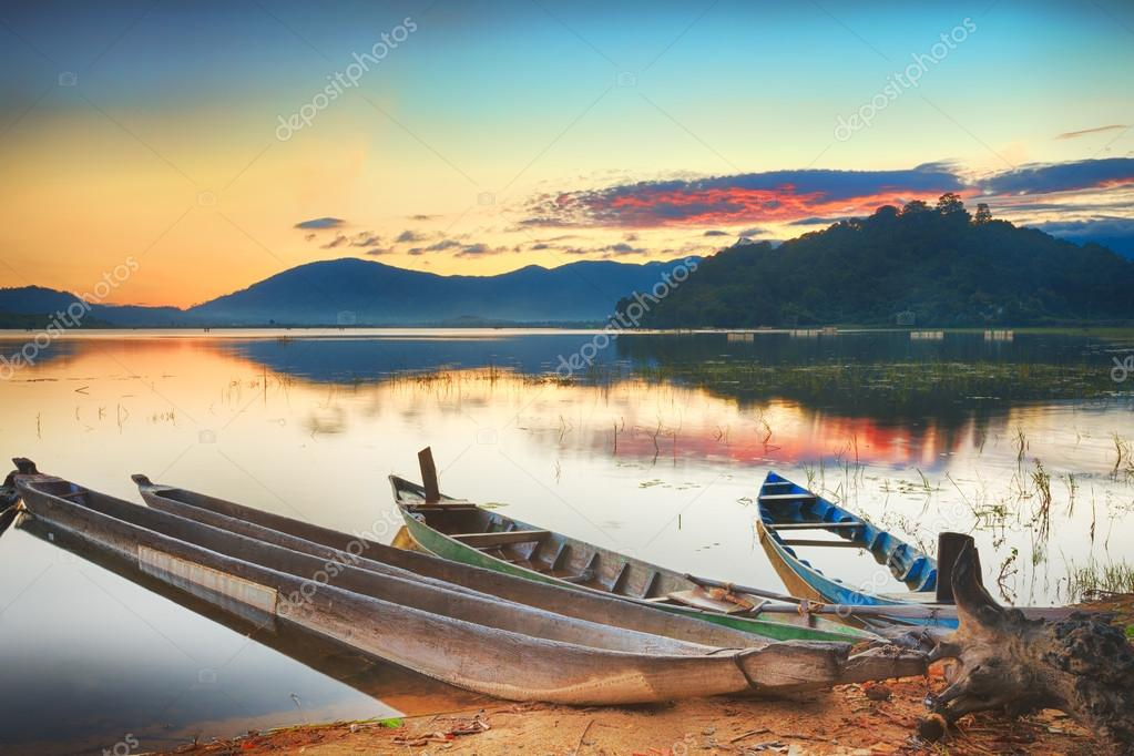 Panorama of a Lak lake at sunrise — Stock Photo #12644733