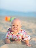 Bebek plajda — Stok fotoğraf
