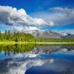 Mountain lake — Stock Photo #13243875