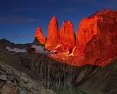 Torres del paine at sunrise — Stock Photo