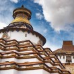 Tibetan monastery — Stock Photo #28216679