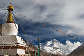 Highest monastery of the world Rongbuk monastery and Everest on background — Stock Photo