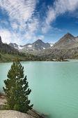 ターコイズ ブルーの湖 — ストック写真