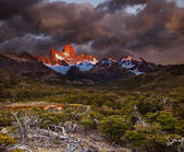 Mount Fitz Roy at sunrise — Stock Photo