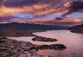 Queenstown at sunset, New Zealand — Stock Photo