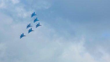 Aerobatic flight airshow — Stock Video