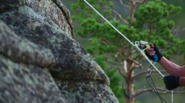 Rock climber — Stock Video