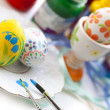 Painting Easter eggs — 图库照片