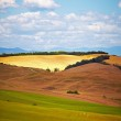 Tuscany landscape with typical farm house on a hill in Val d'Orc — Stok fotoğraf #12589244