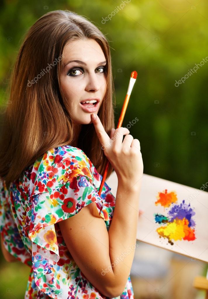 Художник рисует на природе картинки