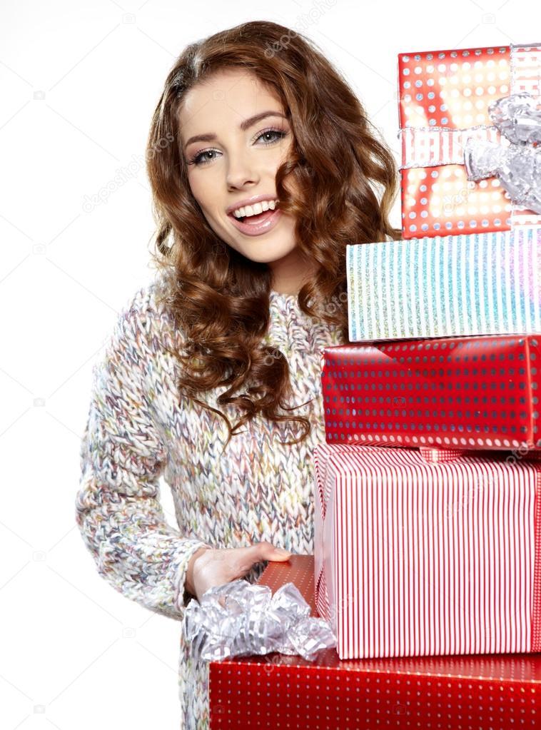 Девушка хранит подарки