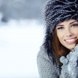 Beautiful brunette hair girl i winter clothes — Stock Photo #18296045