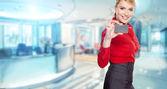 现代商业女人在办公室和副本空间 — 图库照片
