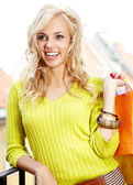 Shoppinhg woman — Stock Photo