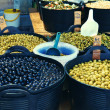 Olive display on market stall — Foto Stock