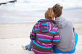 Romantic Young Couple On Winter Beach — Stock Photo