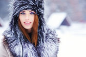 Attractive woman in wintertime — Stock Photo