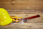 Yellow helmet and tool belt. — Foto Stock