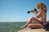 Surfing Photographer in action — Stock Photo