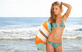Surfer Girl in Bikini with Surfboard — Stock Photo