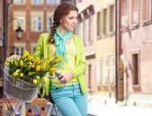 Woman with flowers in Paris — Stock Photo