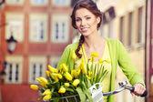 Mode voorjaar vrouw — Stockfoto