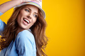 Vrouw in hoed — Stockfoto
