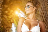 Attractive female wearing stylish sunglasses — Stock Photo