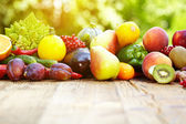 Fresh organic vegetables and fruits — Zdjęcie stockowe